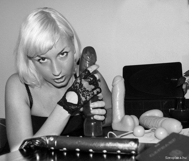 Pál Alexandra szájába élvezett a fotós a pornó castingon